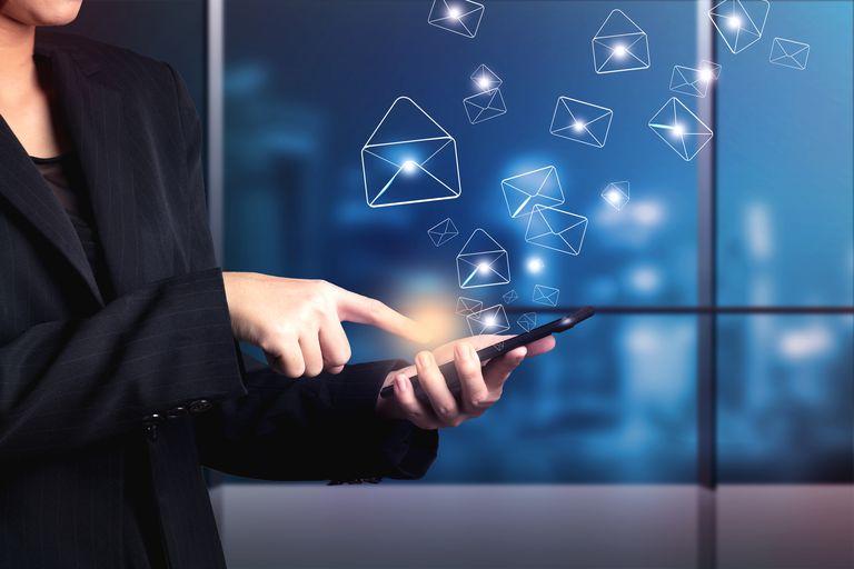 Email advice etiquette Cinq conseils courriel efficaces Julie Blais Comeau étiquette